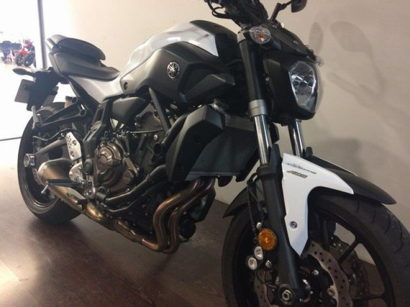 moto d occasion yamaha mt 07 abs chambray les tours concession deletang. Black Bedroom Furniture Sets. Home Design Ideas
